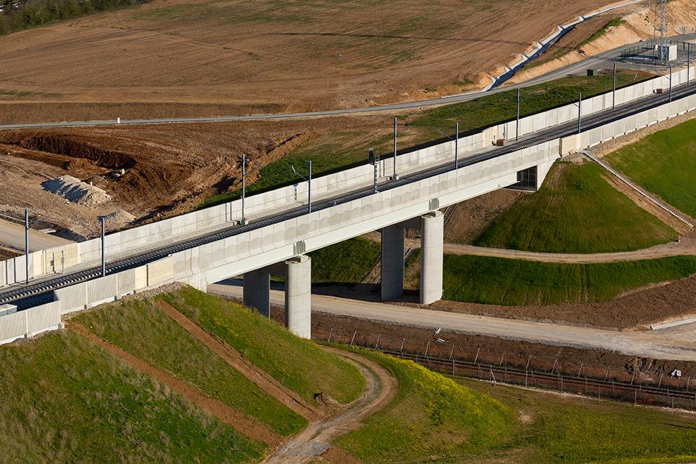 Pont Rail PRa 02+997 Lot5 / LGV SEA Tours - Bordeaux (Crédit photo demathieu & bard)