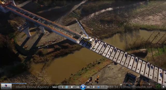 Viaduc de Bourreau (85) sur le petit-lay - Capture écran vidéo drône Ideclick.net - BET Structure BA Maîtrise, Ingénierie et Management (MIM) Ingénieurs Conseils