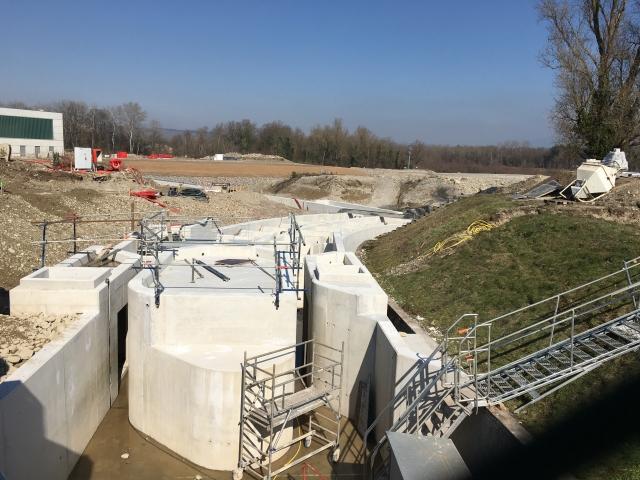 Centrale K nouvelle usine hydroélectrique sur le Rhin à KEMBS (68) - Passe à poissons Local de comptage - crédit photo EIFFAGE GC - Etudes Structure MIM Ingénieurs Conseils