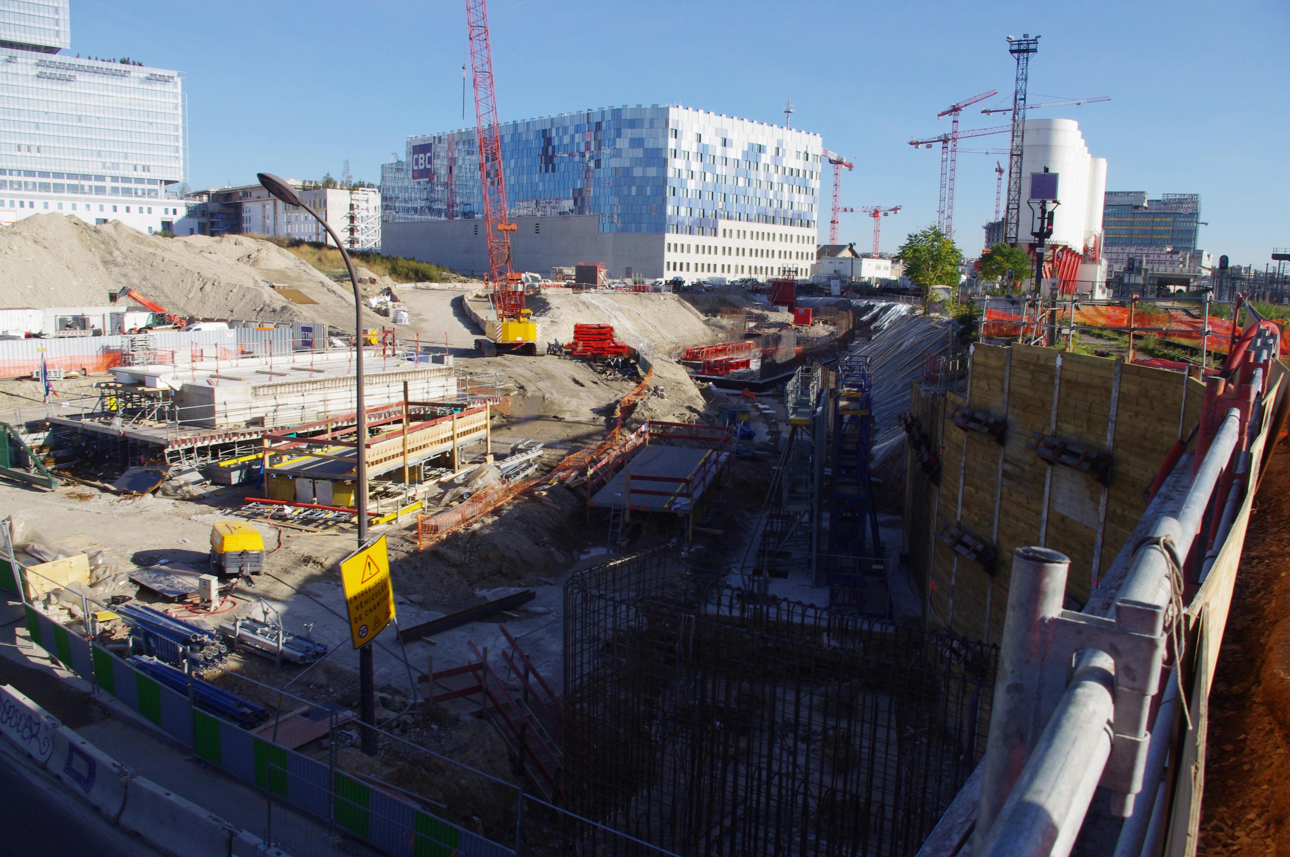 SNCF Construction Ponts Rails et murs soutènement sur pieux pour la création accès routier définitif au centre voie - Batignolles 75017 PARIS - Entreprise GTM TP IDF - Etudes Structure MIM Ingénieurs Conseils